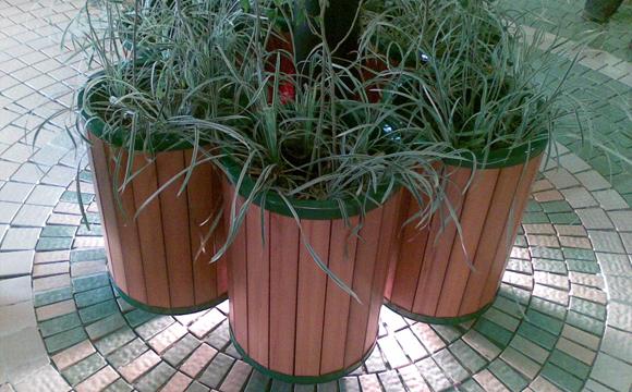 Saflow Planters